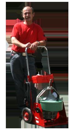 Die Rohrfräsen mit verschiedenen Aufsätzen helfen uns Ihnen jede Art von Verstopfung, Versandung oder andere Probleme professionell zu beheben.